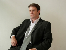 Damián Cazeneuve, Assistant
